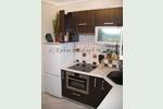 Кухня модерн венге с алюминиевыми витринами