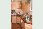 Фото бежевой кухни в стиле модерн: фасады МДФ, кухня коричнево-бежевая с газ-лифтами